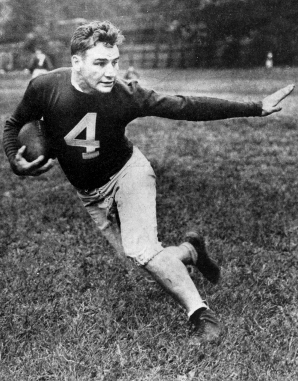 "El corredor de poder Alphonse ""Tuffy"" Leemans de los New York Giants. (AP)"