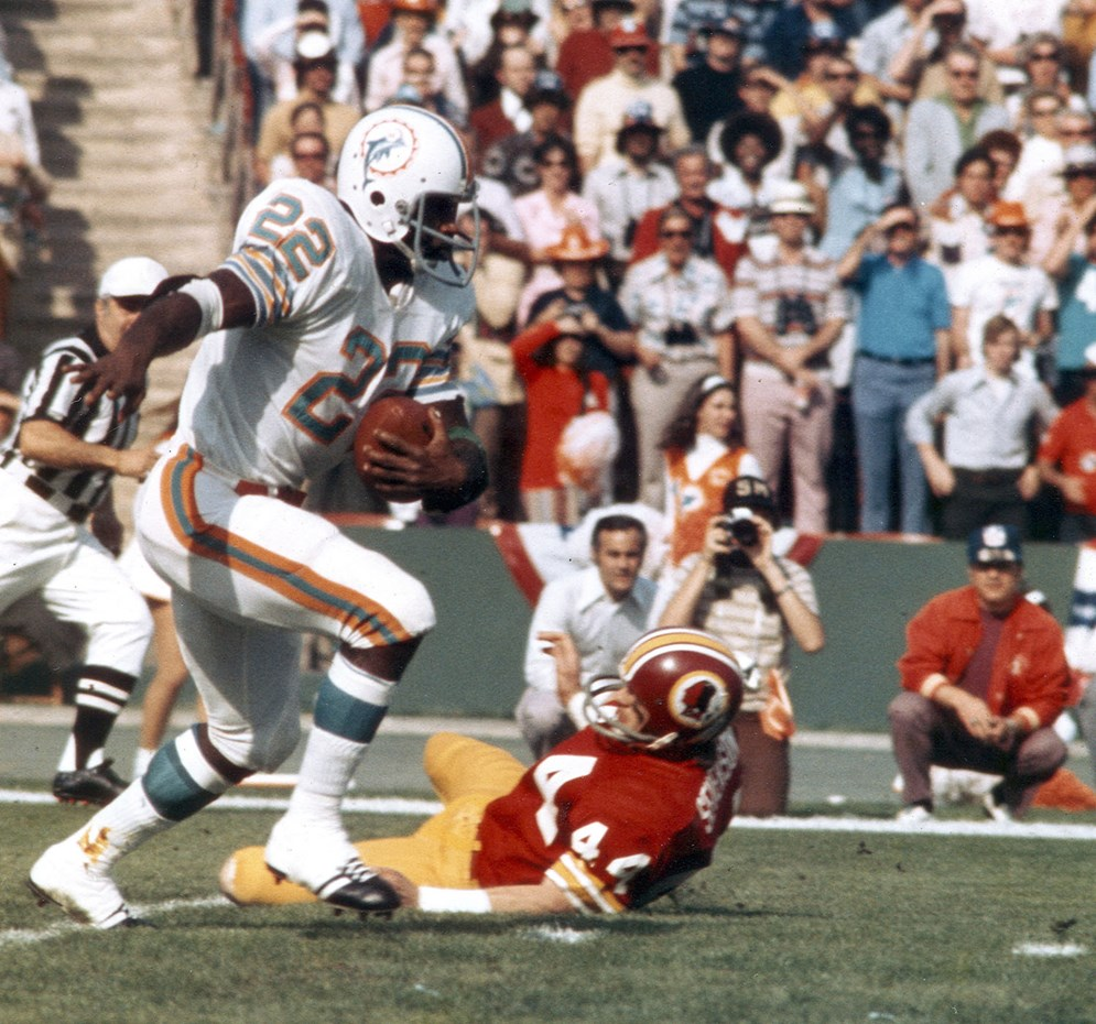 "Miami Dolphins running back Eugene ""Mercury"" Morris in action during the Dolphins' 14-7 victory over the Washington Redskins in Super Bowl VII. (AP Photo/NFL Photos)"
