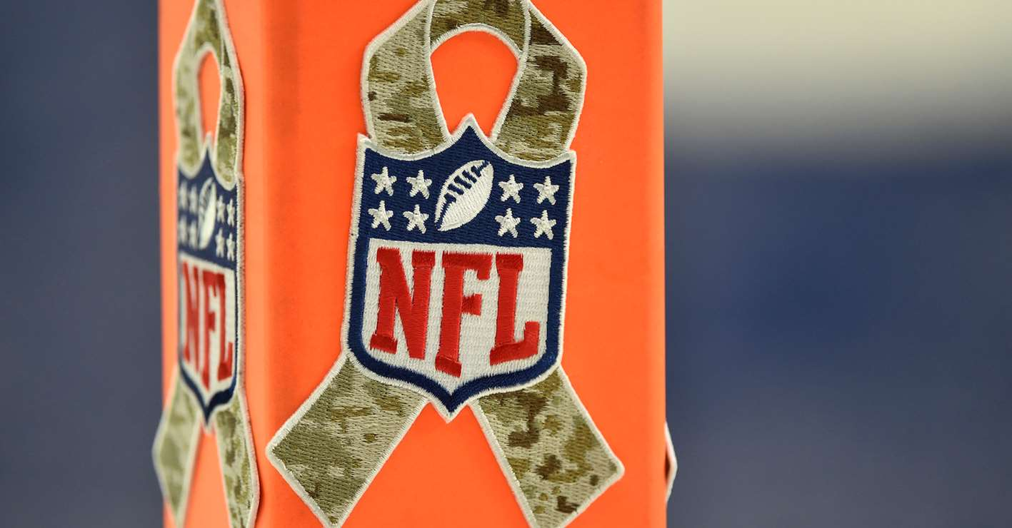 95c82808 NFL Honors Veterans and Military Members with Salute to Service ...