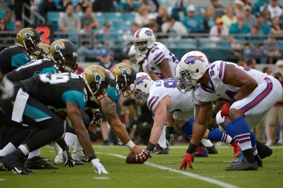 The NFL and Yahoo will deliver the first free live stream of an NFL game to a global audience for the Oct. 25 NFL International Series game in London between the Buffalo Bills and Jacksonville Jaguars.
