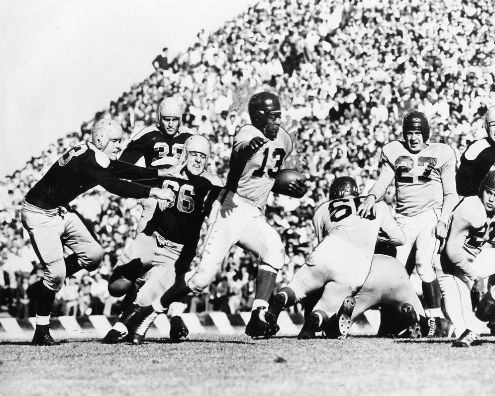 Kenny Washington led the nation in total yards in his senior year at UCLA in 1939, but had to wait seven years for the opportunity to play in the NFL. (Pro Football Hall of Fame)